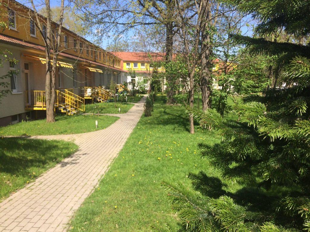 Gartenbereiche der Möblierten Zimmervermietung Teltow